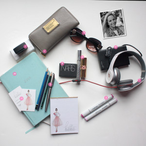 What's In Your Bag: Holly Illustrations