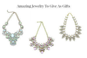 beautiful statement necklace to give friends as gifts